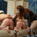 2 marionettes are punished by a Domina spanking their slave arses
